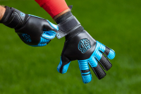 Вратарские перчатки Bravry Aqua Hybrid New